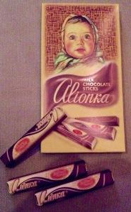 Die gute Alionka-Schokoladenstäbchen mit der Füllung aus karamelisierter Kondensmilch.
