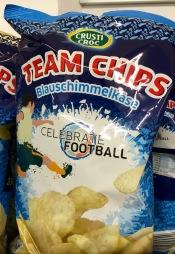 Lidl-Chips zur EM, Geschmacksrichtung Blauschimmelkäse.