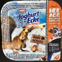 Auch Müller macht Werbung auf seinen Joghurts, hier für den Film IceAge.