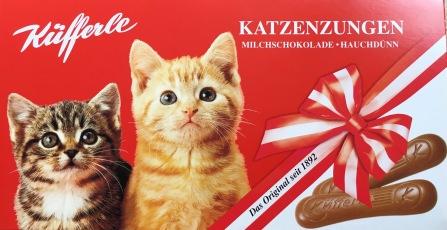 Küfferle Katzenzungen Milchschokolade sind immer in den Nationalfarben Rot und Weiß gestaltet.