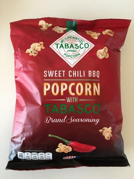 Sehr gut, aber mir persönlich zu süß: Sweet Chili BBQ Popcorn mit Tabasco. Ein Lizenzprodukt von Jimmy's Popcorn, UK.