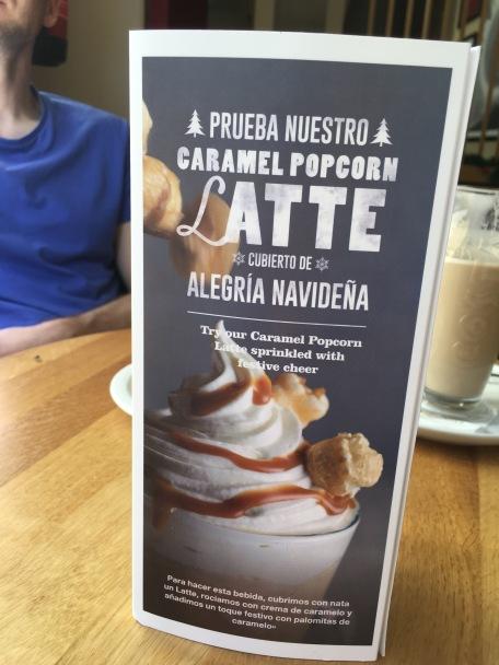 Karamell-Popcorn-Latte: Gehört ja eigentlich nicht ins Blog, aber weil ich ihn gerade in Sevilla getrunken habe, führe ich ihn mal mit auf. War vor allem süß - wie man sich denken kann.