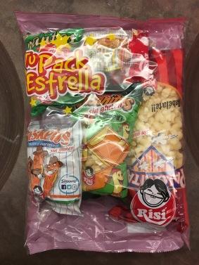 Nettes Gebinde aus 5 verschiedene Chipssorten von Risi in einem Megapack (Spanien), aber leider sind alle geschmacklich fad und das Knuspergefühl auch mau.