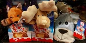 Neu, zumindest für mich: Ferrero bündelt siene KINDER-Produkte mit hochwertig wirkenden Plüschtieren.