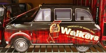 Walkers verpackt seine Kekse wirklich schön in Blechdosen wie dieses altmodische Auto...
