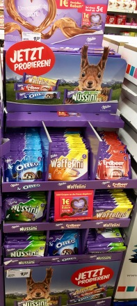 Display neues Riegelsortiment Milka Mondelez