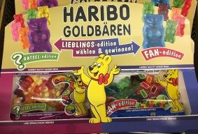 Doppelgebinde: Zwei Varianten von Haribos Goldbären verbunden in einer Aktions-Doppelpackung. Praktischerweise kann Haribo damit statt einer gleich zwei Tüten verkaufen.