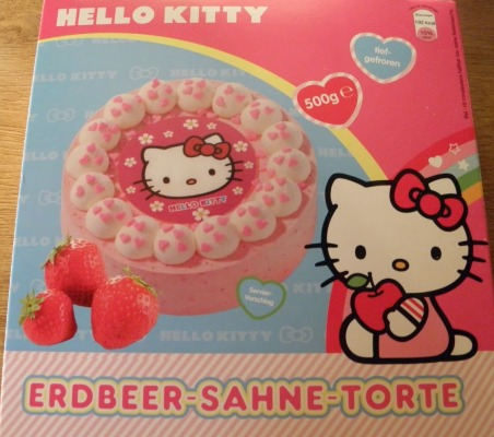 Hello Kitty Erdbeer-Sahne-Torte