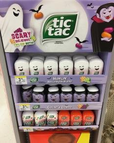 TicTac Halloween Display Ferrero