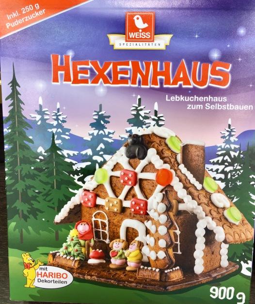 Weiss Hexenhaus mit Haribo